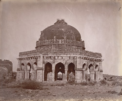 General view of Sikander Lodi's Tomb, Delhi. 1003902